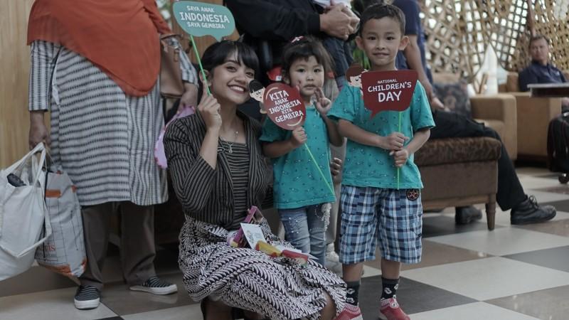THE 1O1 Yogyakarta Tugu peringati Hari Anak Nasional dan berikan kejutan untuk penumpang Xpress Air tujuan Banjarmasin-Yogyakarta