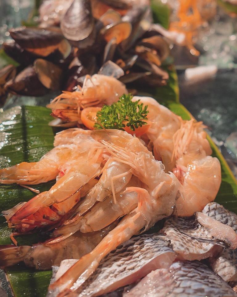 Dapoer Rustik dan Exquisite Seafood, Pilihan Buffet Terbaru Harper Mangkubumi