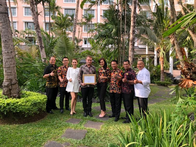 "Melia Purosani Hotel Yogyakarta kembali meraih  penghargaan ""Green Hotel Award 2019""  sebagai Hotel Berwawasan Lingkungan."