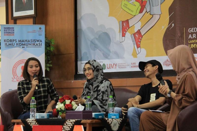 Communication Awards 2018 Lestarikan Bahasa Daerah Melalui Karya