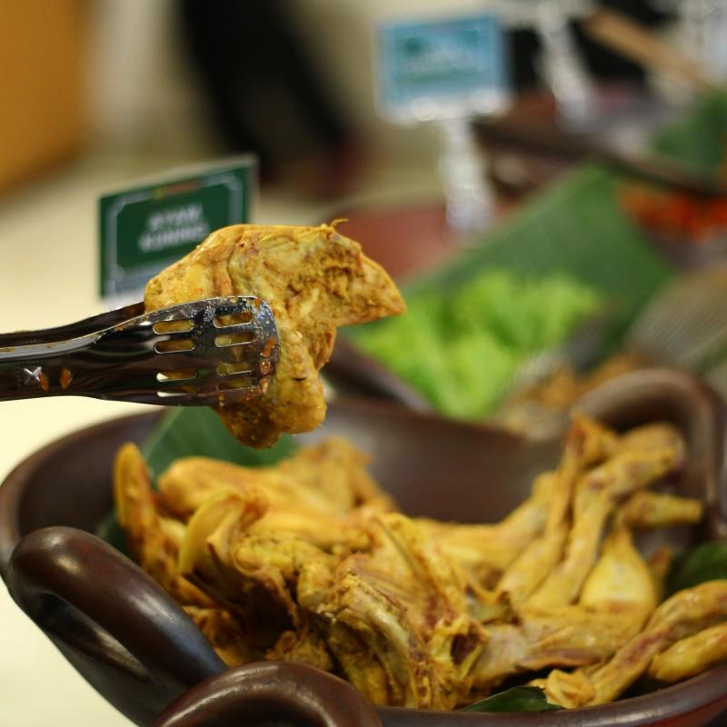 Bale Nyoenya dan Nyoenya Wedang; Destinasi Kuliner Serba Bisa