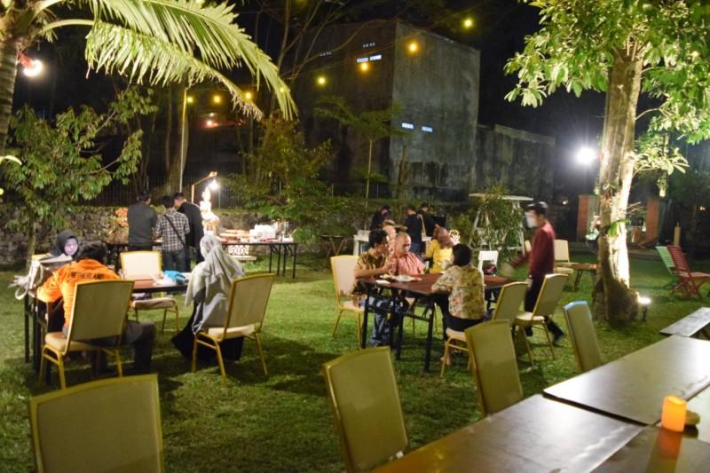 Makan Malam di Alam Terbuka  di The Alana Yogyakarta