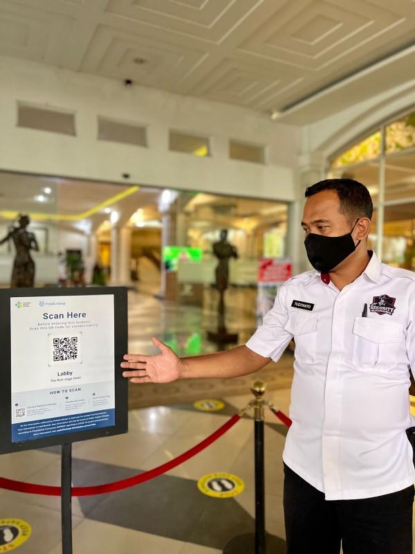 The Rich Jogja Hotel Menerapkan Scan QR Code Peduli Lindungi