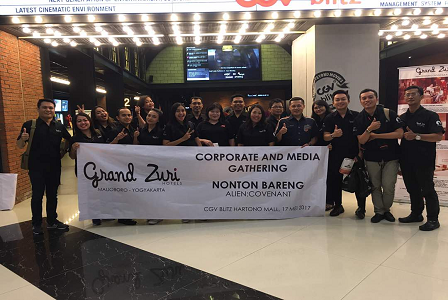 Grand Zuri Hotel Ajak Relasi Usahanya Untuk Nonton Bareng Film Alien